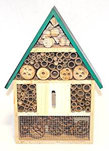 Bee Hotel | Save The Bees | The Organic Choice